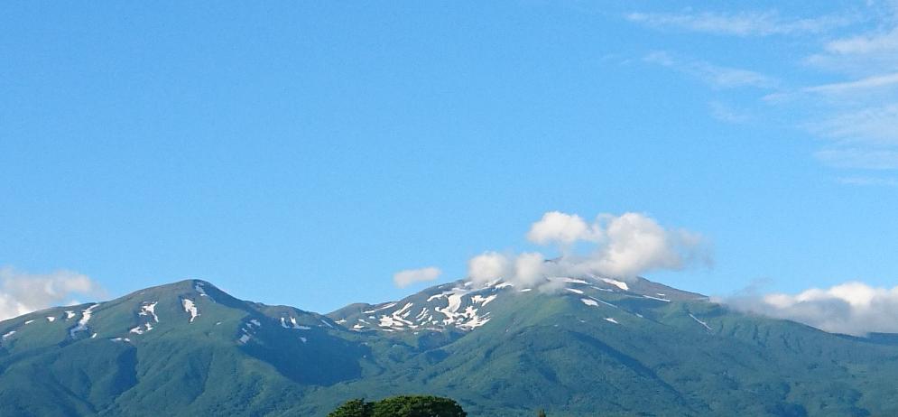 近い近い鳥海山.png